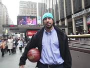 Mira el vídeo gratis de Yovan Tells His First Hoop Story