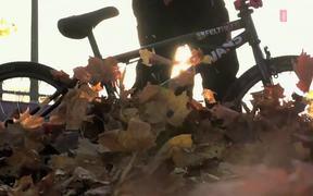 Watch free video VANS BMX - Tobias Wicke FALL 2013