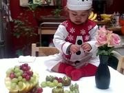 Watch free video Bruna's Christmas Table