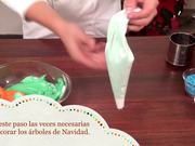 Watch free video Christmas Tree of Cones and Mantecados
