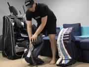 צפו בסרטון מצויר בחינם How to Break-in Hockey Goalie Equipment Tutorial