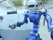 Mira el vídeo gratis de The Age of Robots