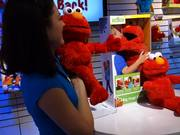 Watch free video Big Hugs Elmo Hands-on at Toy Fair