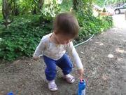 Ruby Blows Bubblesشاهد مقطع فيديو مجاني