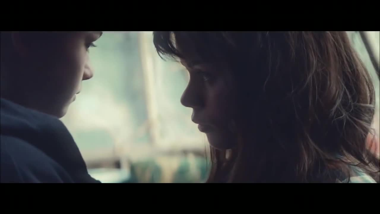 Watch free video Vodafone Commercial: The Kiss