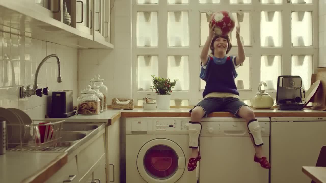 Mira dibujos animados gratis Vodafone Commercial: Ball
