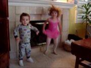 無料アニメのKids Dancingを見る