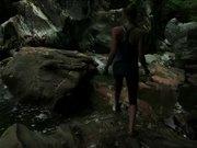 Mira dibujos animados gratis Woman Walking in Nature
