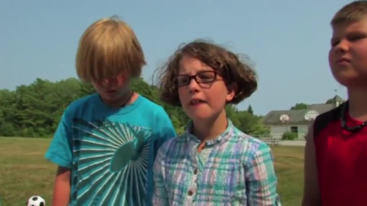 Watch free video Red Light/Green Light-comedy series for kids
