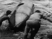 Mira el vídeo gratis de Down the Niagara Rapids in a Barrel