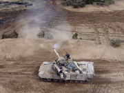 Watch free video American Tanks train in Latvia