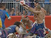 Mira dibujos animados gratis Canon Commercial: Roman Football