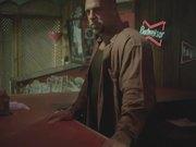 無料アニメのBudweiser Commercial: The Great Preparationを見る