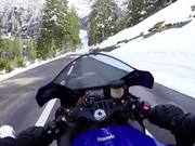 無料アニメのYamaha R1 Grimselpass Switzerlandを見る