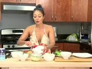 Watch free video Fried Oyster & Crab Cake Sandwich - Recipe