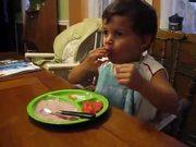 شاهد كارتون مجانا Kid Eating