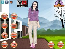 Emily Blunt Dress Up game